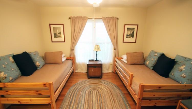 bellehaven-bedroom1