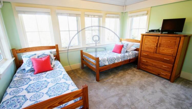 bedroom4-3-1024x683