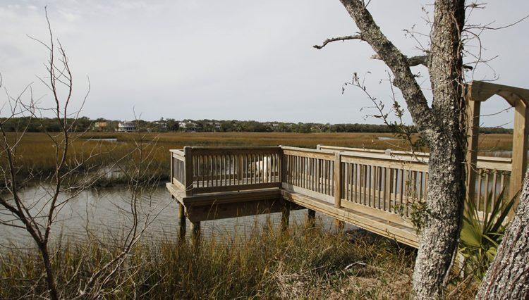 Middle island dock