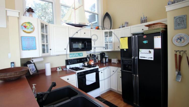 Bellehaven-kitchen1-1024x682